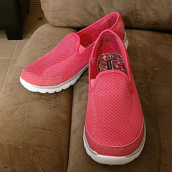 Danskin Now Shoes   Womans Memory Foam